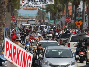 News-Journal/JIM TILLER  Main Street and is usual mess for traffic in Daytona Beach Friday , March 13, 2015.